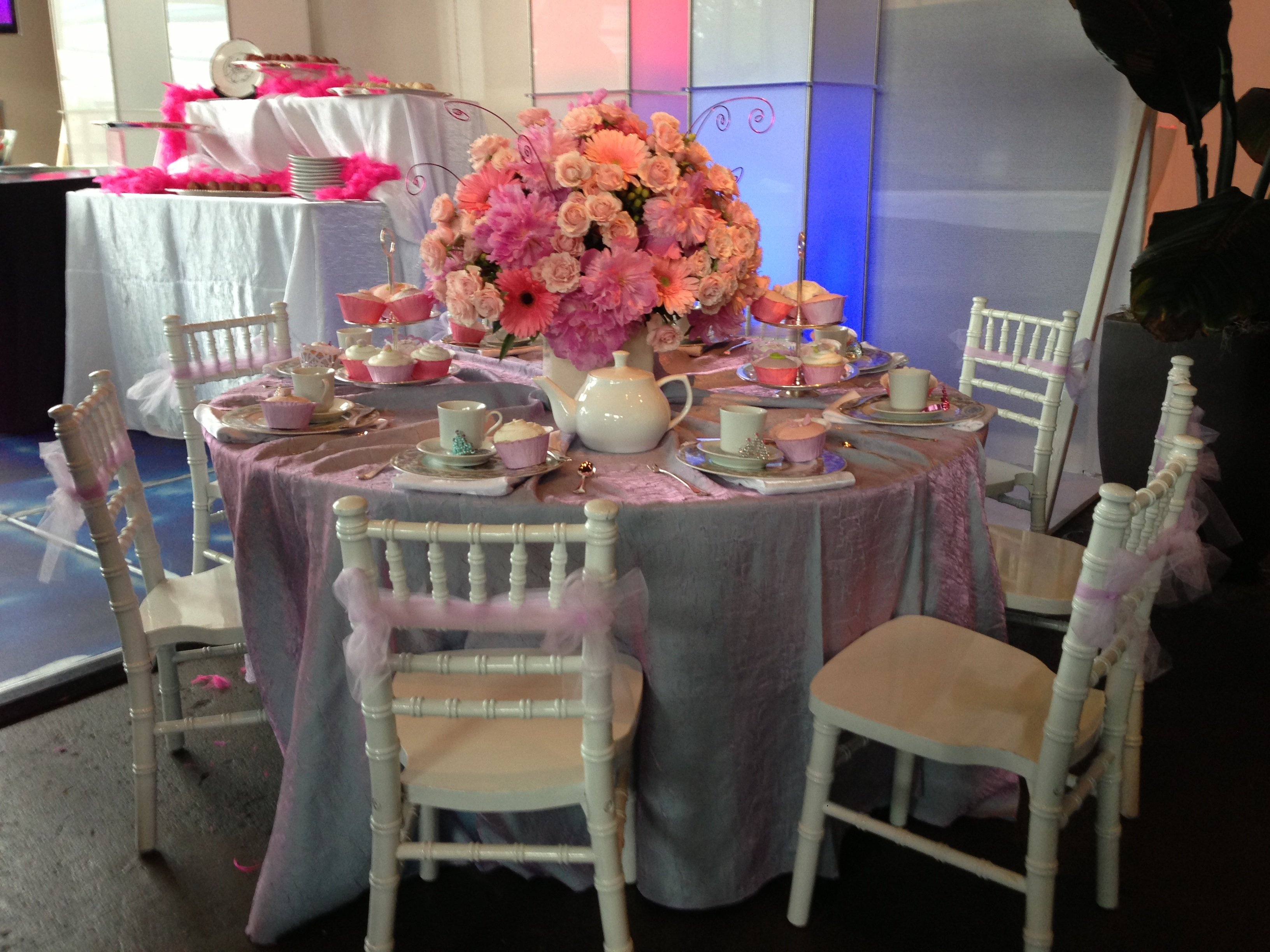 Table Setup Note Adorable Tiny Chivari Chairs Linen And China Can Be Ed From Ducky Bob S Flowers By Dr Delphinium
